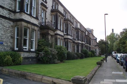 credit: http://upload.wikimedia.org/wikipedia/commons/1/18/Newcastle_University_-_Park_Terrace.jpg