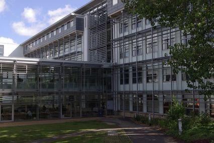 Buckinghamshire New University Reviews and Ranking