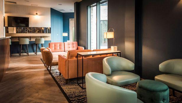 Hall Fontenoy Apartments - 9