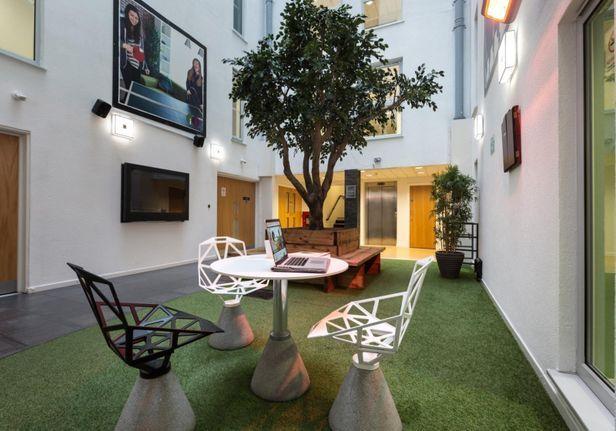 Hall iQ Broderick House - 3