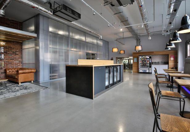 Hall iQ Kerria Apartments - 5