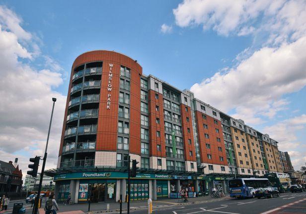 Hall iQ Kerria Apartments - 0