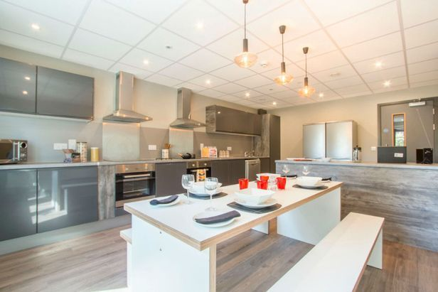 Hall Lumis Student Living - Cardiff - 1