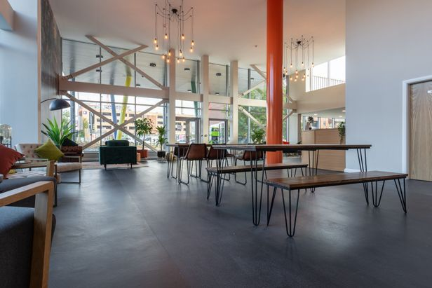 Hall One Islington Plaza - 6