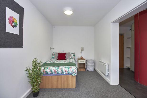 Hall Slade Park - Oxford - 5