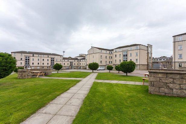 Hall Trinity Court Aberdeen - 6