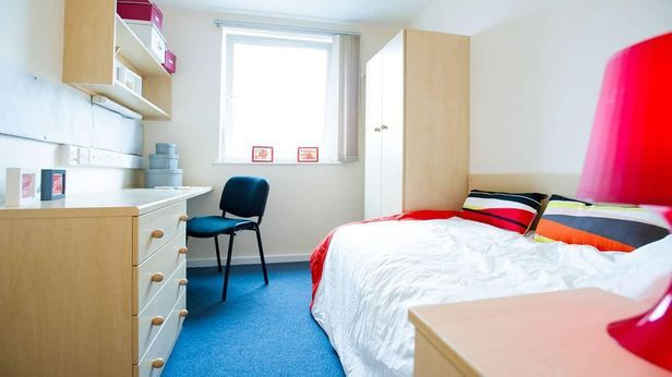 Hall University of Brighton - 0